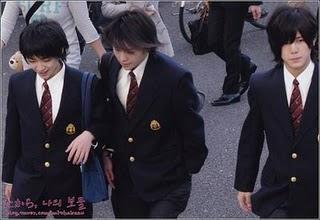 http://shibuyaonprambors.files.wordpress.com/2010/09/chinen-yuriarioka-daikiyamada-ryosuke.jpg